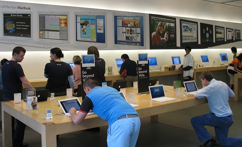 800px-20070509_Apple_Store-800866-edited